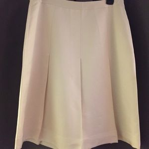 Banana Republic Ivory Silk Pleated Skirt Size 6